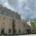 Stadthalle Görlitz unter dunklen Wolken